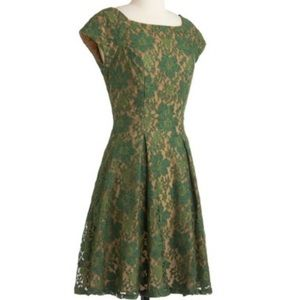Eva Franco Green Lace Dress